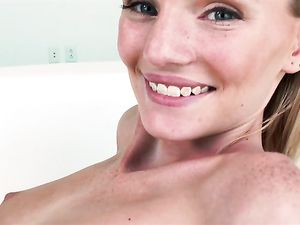 Sweetheart And A Big Cock Have Great Teen Sex
