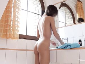 Armpit And Pussy Shaving Teen Babe Lets Us Watch