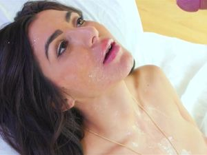 Big Lips Beauty Brittany Bliss Fucked By A Fat Dick