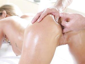 Body Massage Before Sweaty Pussy Pounding