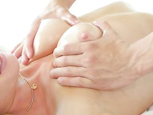 Princess Gets A Massage With A Throbbing Boner
