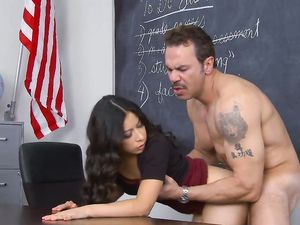 Blowjob Under The Desk Before Getting Fucked